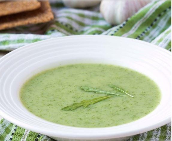 Sopa especial de aguacate para dieta