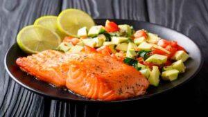 Aguacate con salmón